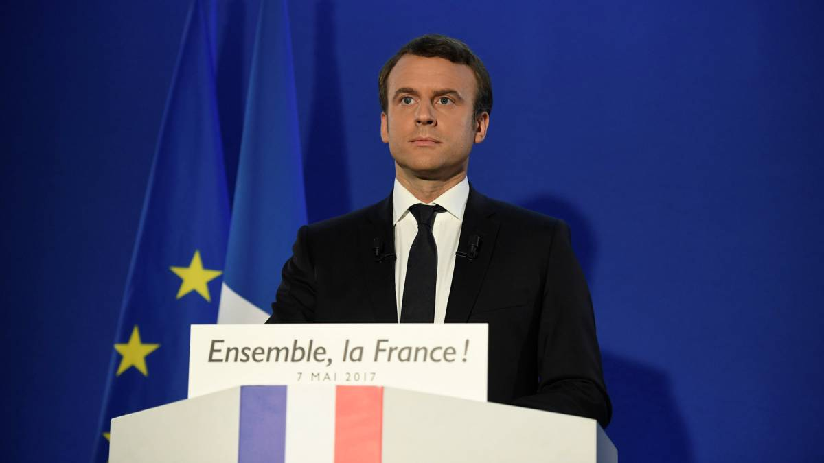 France President: Macron's past as a left-back in the amateur French football league