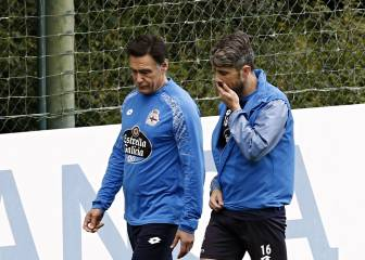 Depor defender Luisinho injures knee in bizarre fashion