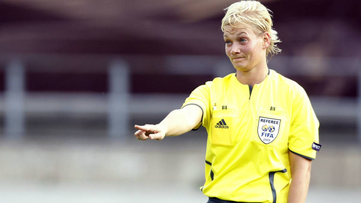 "In this Tuesday, Aug. 25, 2009 file photo, German referee Bibiana Steinhaus is seen during the first round Women's Euro 2009 soccer match between England and Italy in Lahti, Finland. Referee Bibiana Steinhaus has been promoted to the Bundesliga next season as the first women working games in Germany's top division. Steinhaus says she feels ""disbelief, delight, joy, relief, curiosity,"" in an interview published on the Germany soccer federation's website on Friday, May 19, 2017."