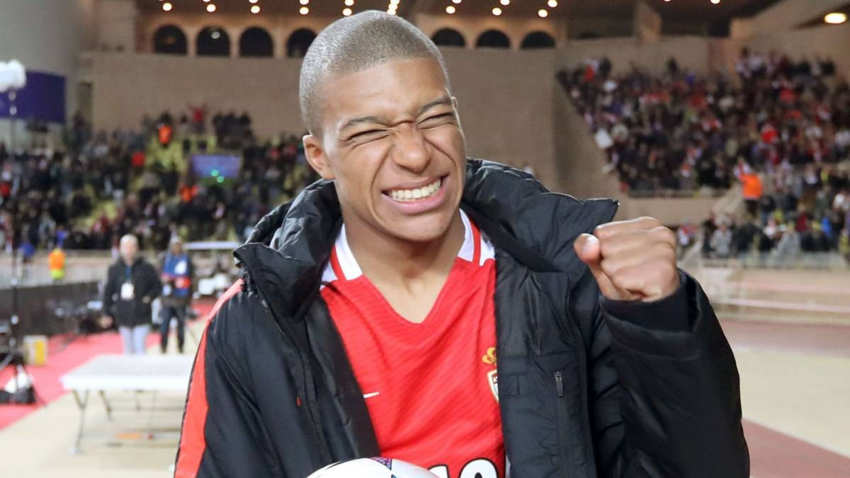 Monaco's French forward Kylian Mbappe Lottin reacts after Monaco defeated Dortmund during the UEFA Champions League 2nd leg quarter-final football match AS Monaco v BVB Borussia Dortmund on April 19, 2017 at the Louis II stadium in Monaco.