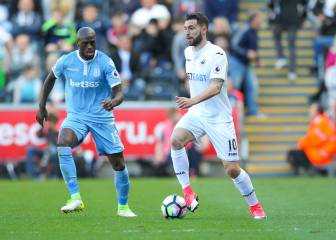Málaga consider Swansea's Borja Baston as a replacement for Sandro