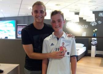 Barça keeper Cillessen covers Real badge in photo with fan