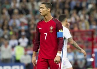 Cristiano leaves Portugal duty to meet his twin babies