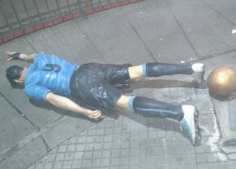 Suarez statue vandalised: