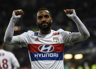 Lacazette set to sign for Arsenal for record-breaking fee