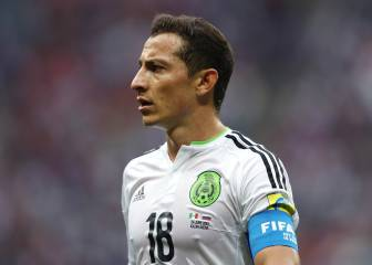 Andrés Guardado back in Spain to complete Betis switch