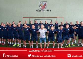 Athletic players shave heads in solidarity with Yeray Álvarez