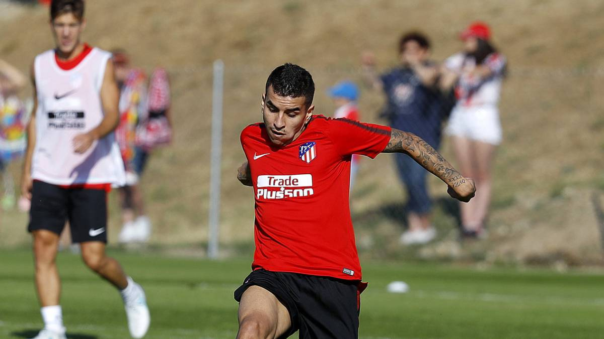 El Liverpool sigue a Correa