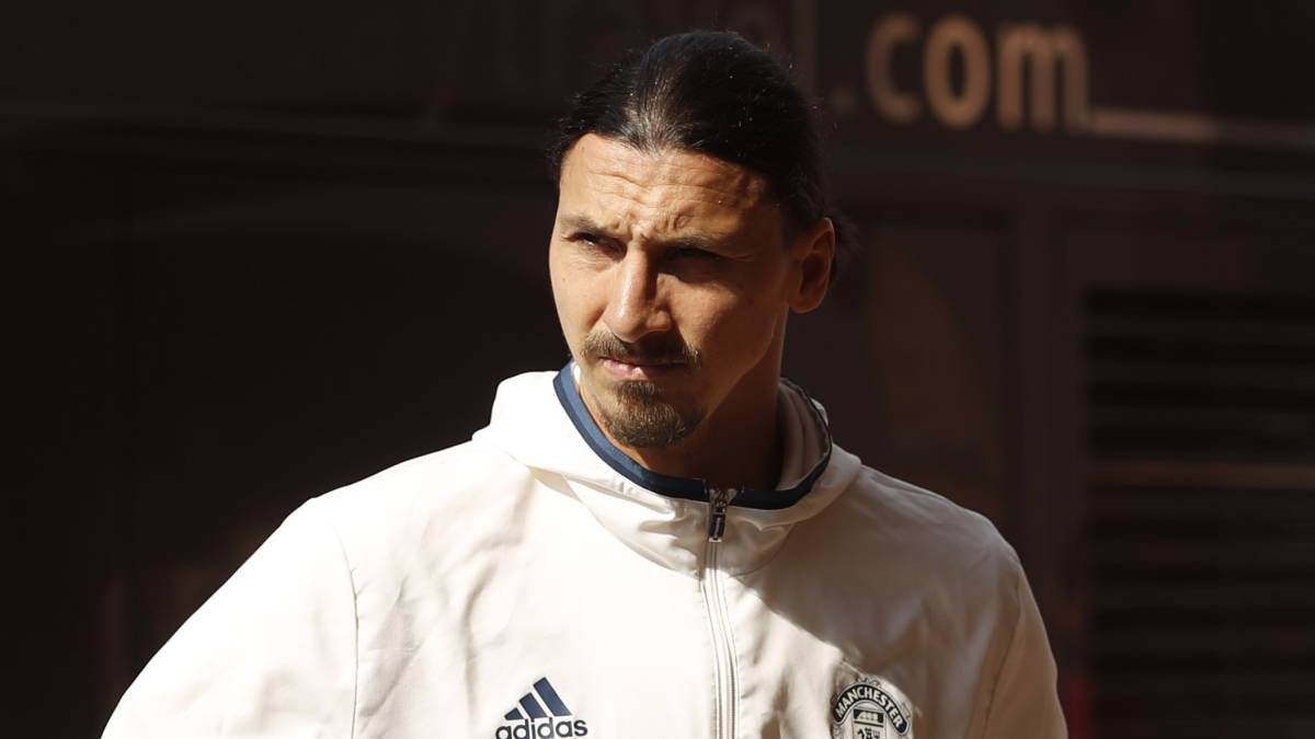Zlatan Ibrahimovic llegando al Stadium of Light.