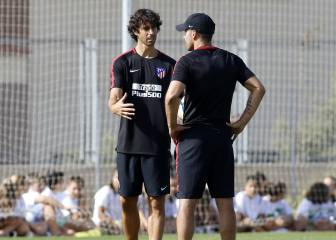 Tiago's first training session as Simeone's assistant