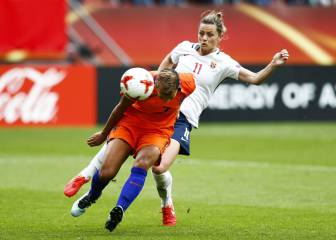 Hosts Netherlands beat Norway in Euro opener
