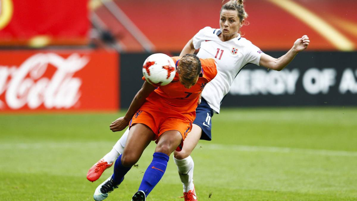 Van Sanden scores the only goal of the game as the Netherlands beat Norway.
