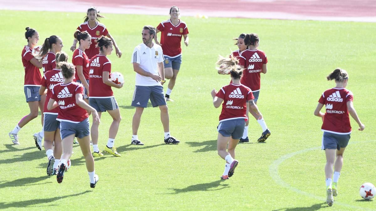 Entrenamiento de la Selección femenina de fútbol.