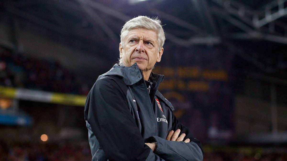 Arsenal manager Arsene Wenger looks on during the match between the Western Sydney Wanderers and Arsenal FC at ANZ Stadium on July 15, 2017 in Sydney, Australia.