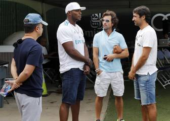 Raúl watches Madrid train with LA Dodgers star Yasiel Puig