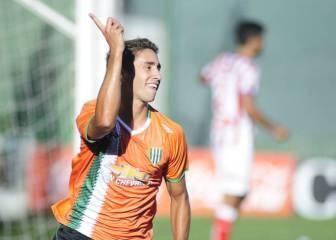 Banfield's Emanuel Cecchini to undergo medical at Málaga