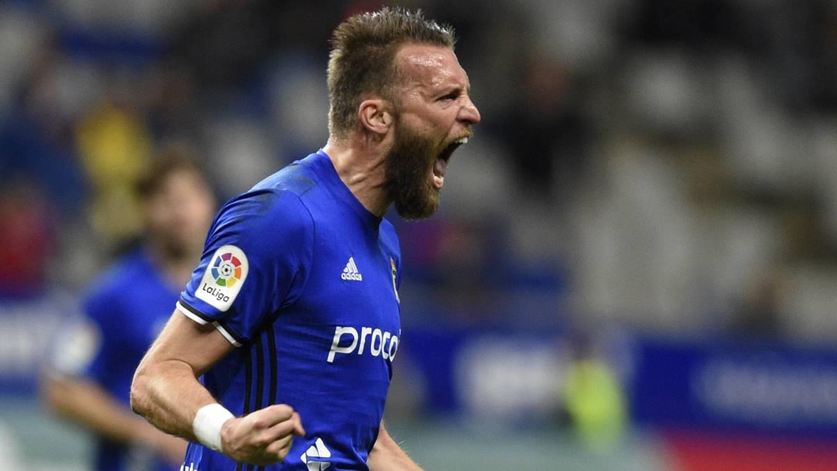 Michu celebra un gol esta temporada contra el Cádiz.