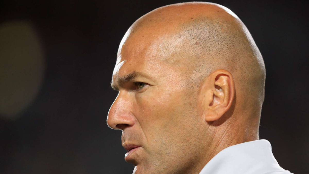 Zidane 'hopes' Bale, Benzema and Cristiano will remain at Madrid
