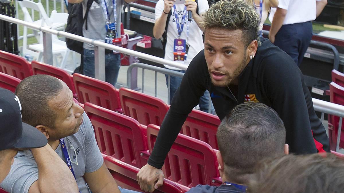 El PSG acelera por Neymar y este viernes ya ha acordado las comisiones del traspaso: pagará 36 millones de euros.