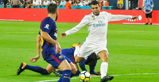 Mateo Kovacic scores in the first half of the Real Madrid vs Barcelona International Champions Cup friendly match at Hard Rock Stadium in Miami, Florida, on July 29, 2017.