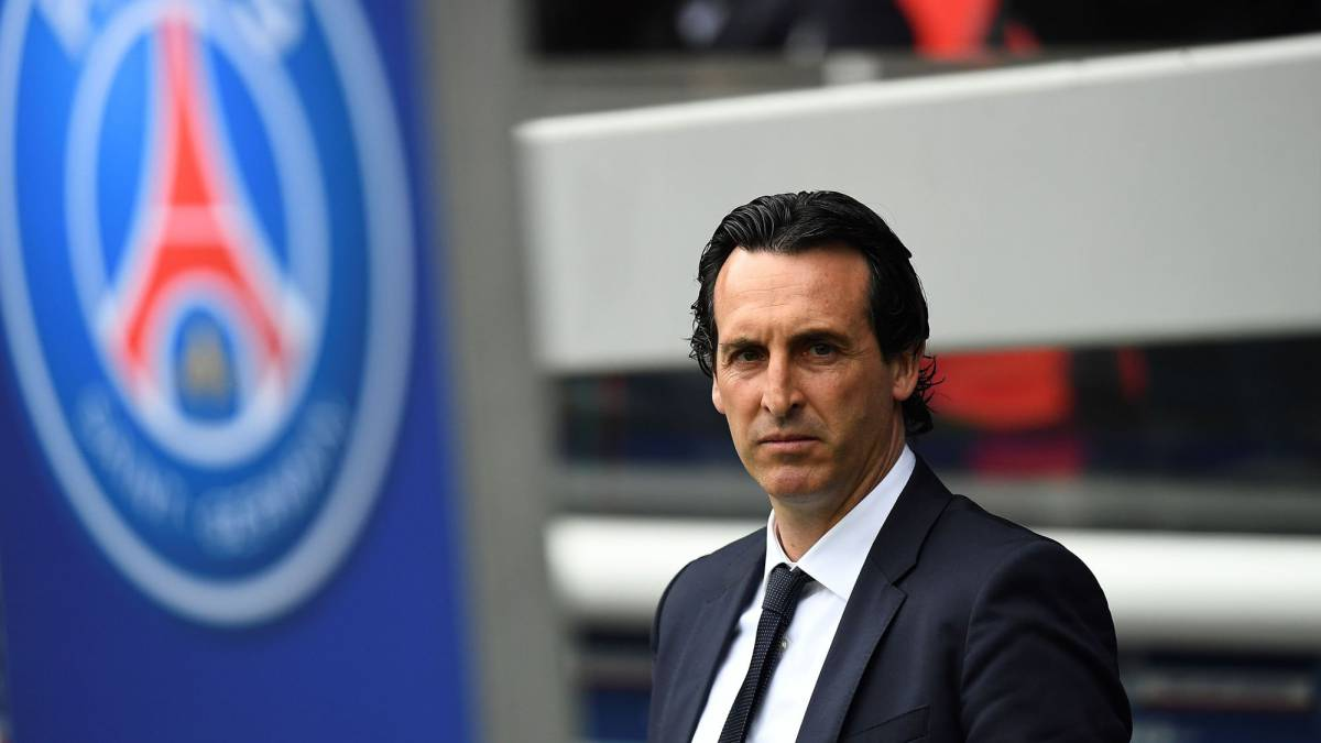 This file photo taken on April 22, 2017 shows Paris Saint-Germain's Spanish head coach Unai Emery looking on during the French Ligue 1 football match between Paris Saint-Germain AND Montpellier at the Parc des Princes stadium in Paris. Barcelona confirmed Neymar's wish to leave the Catalan giants on August 2, 2017, but insisted the Brazilian's 222 million euro ($260 million) buyout clause must be paid as his potential world record move to Paris Saint-Germain moved a step closer. Winning the Champions League for a first time is the dream driving PSG's owners Oryx Qatar Sports Investments (QSI) to fund a deal that could herald the start of a new era at the elite level of European football.