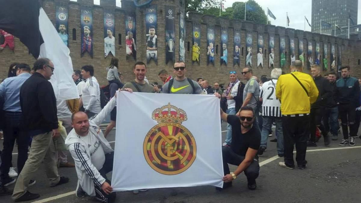 La Peña de Macedonia viaja todos los años y siempre apoya al equipo en los grandes días.
