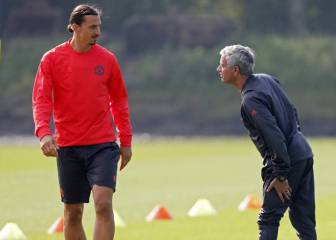 Mourinho reveals United are in talks with Ibrahimovic