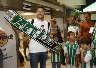 Javi García arrives in Spain ahead of Real Betis move