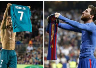 Cristiano copies Messi's shirt celebration in Camp Nou win