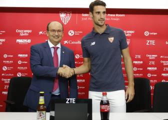 Spain keeper Rico extends Sevilla contract up to 2021