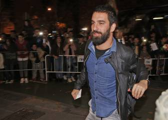 Arda Turan agent to negotiate Camp Nou exit