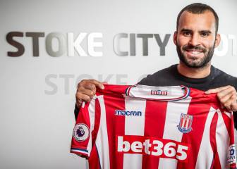 Stoke City sign Jesé Rodríguez on season-long loan