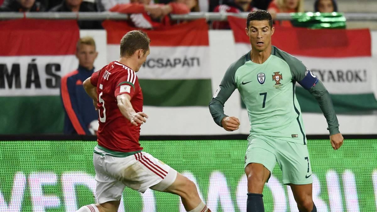 Cristiano Ronaldo en el Hungría-Portugal de clasificación para el Mundial 2018.
