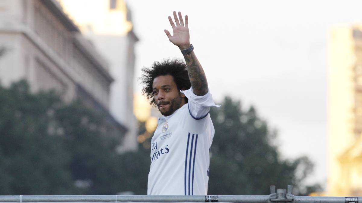 Marcelo signs Real Madrid contract extension until 2022