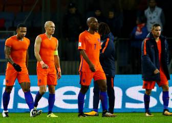 New black for the Oranje as Dutch face missing World Cup