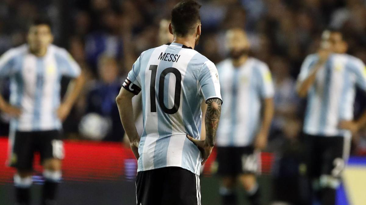 "Mario Kempes: ""Only Maradona fans don't want Messi at the World Cup"""
