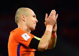 Robben retires from Dutch duty as Oranje miss out on World Cup
