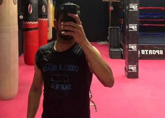 Diego Costa does extra training in Fernando Torres' gym