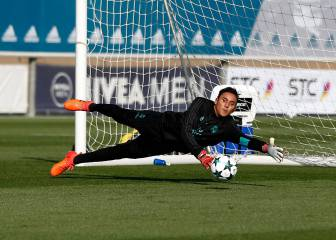 Keeper Keylor Navas ruled out after groin injury flares up