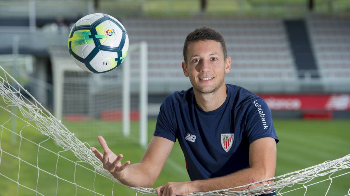 Mikel Vesga extends Athletic Club contract to 2021