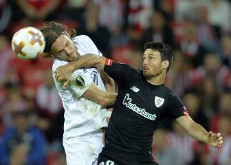Aduriz mantiene al Athletic con vida en la Europa League