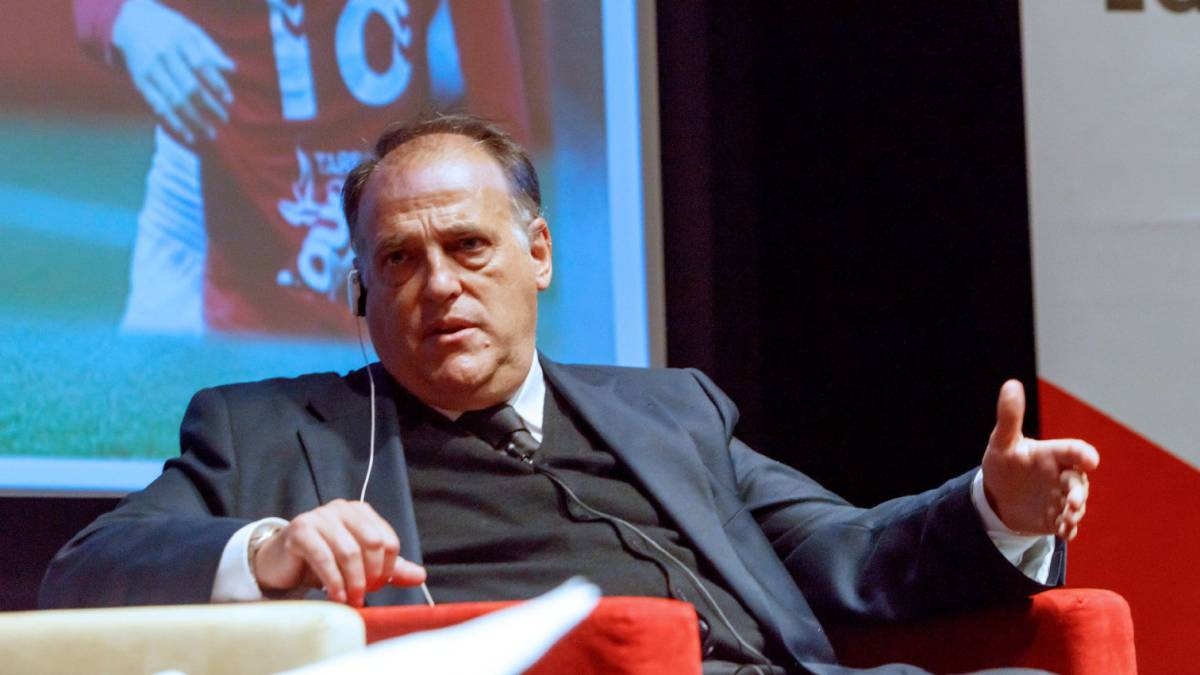"Tebas on the Spanish football jersey: ""Everything in Spain has to be a controversy"""