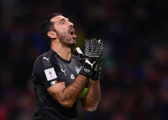 Tearful Buffon announces Italy retirement