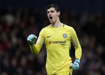 Courtois not rushing Chelsea renewal as Madrid et al await