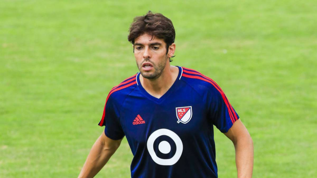 Kaká negocia con un club Chino