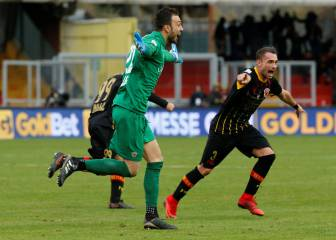 Benevento keeper scores in 95th minute to make history