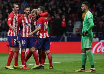 Griezmann gives Atlético late win to close on Barça