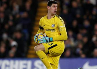 Courtois resists Chelsea renewal with Real Madrid in mind