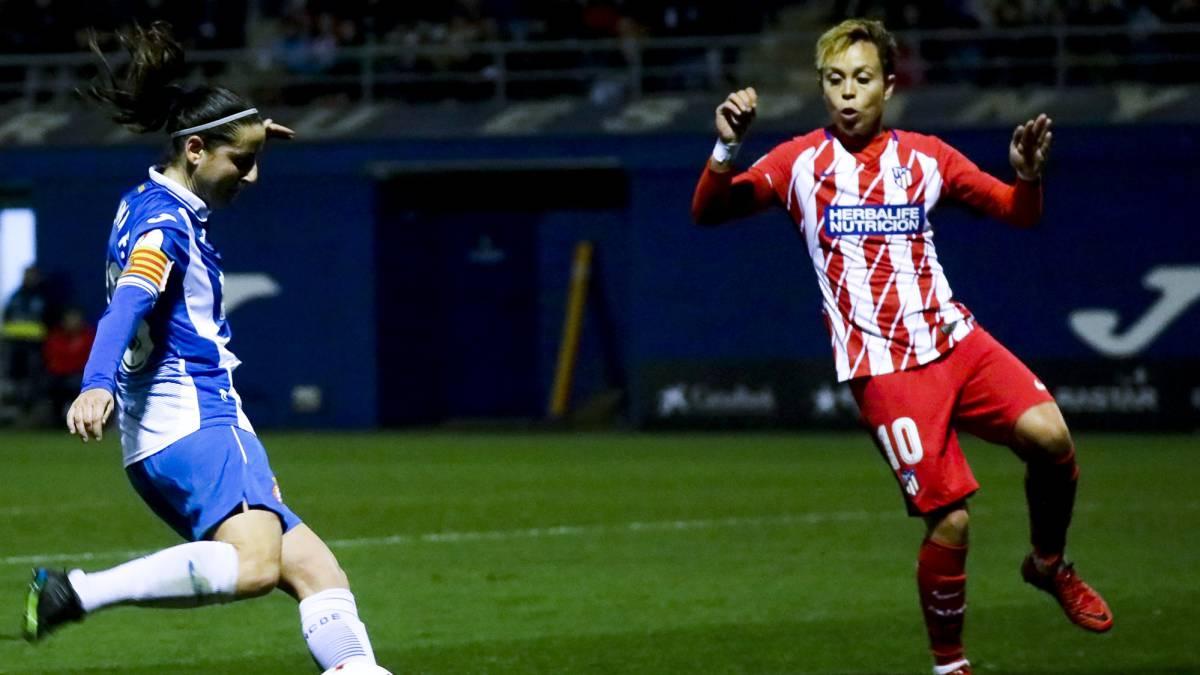 El Atlético consigue mantener su colchón en los últimos instantes