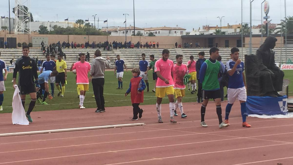 Melilla beat San Fernando in Cádiz shirts after plane issue